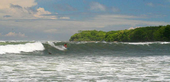 Surfing at Cedros in Montezuma