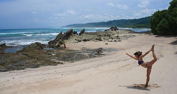 Yoga on the beach in Mal Pais