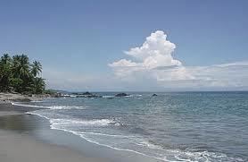 playa grande surfing